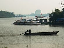 220px-Tắc_ráng_trên_sông_Sài_Gòn